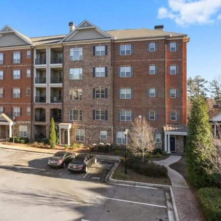 Sterling of Dunwoody Condominiums